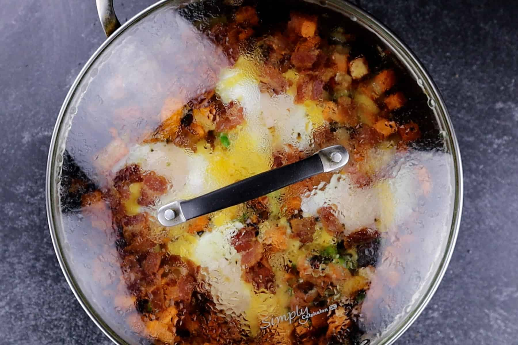 skillet with lid on it