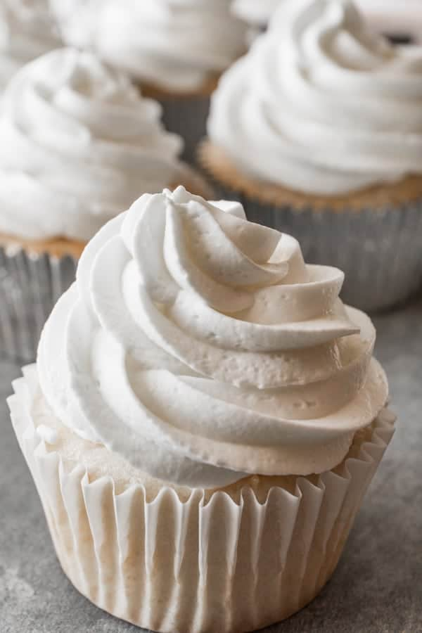 How to make stiff whipped cream frosting