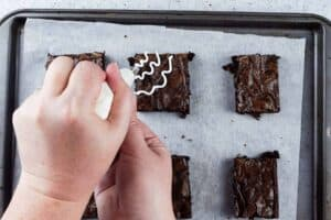 add wavy lines to one corner of each brownie