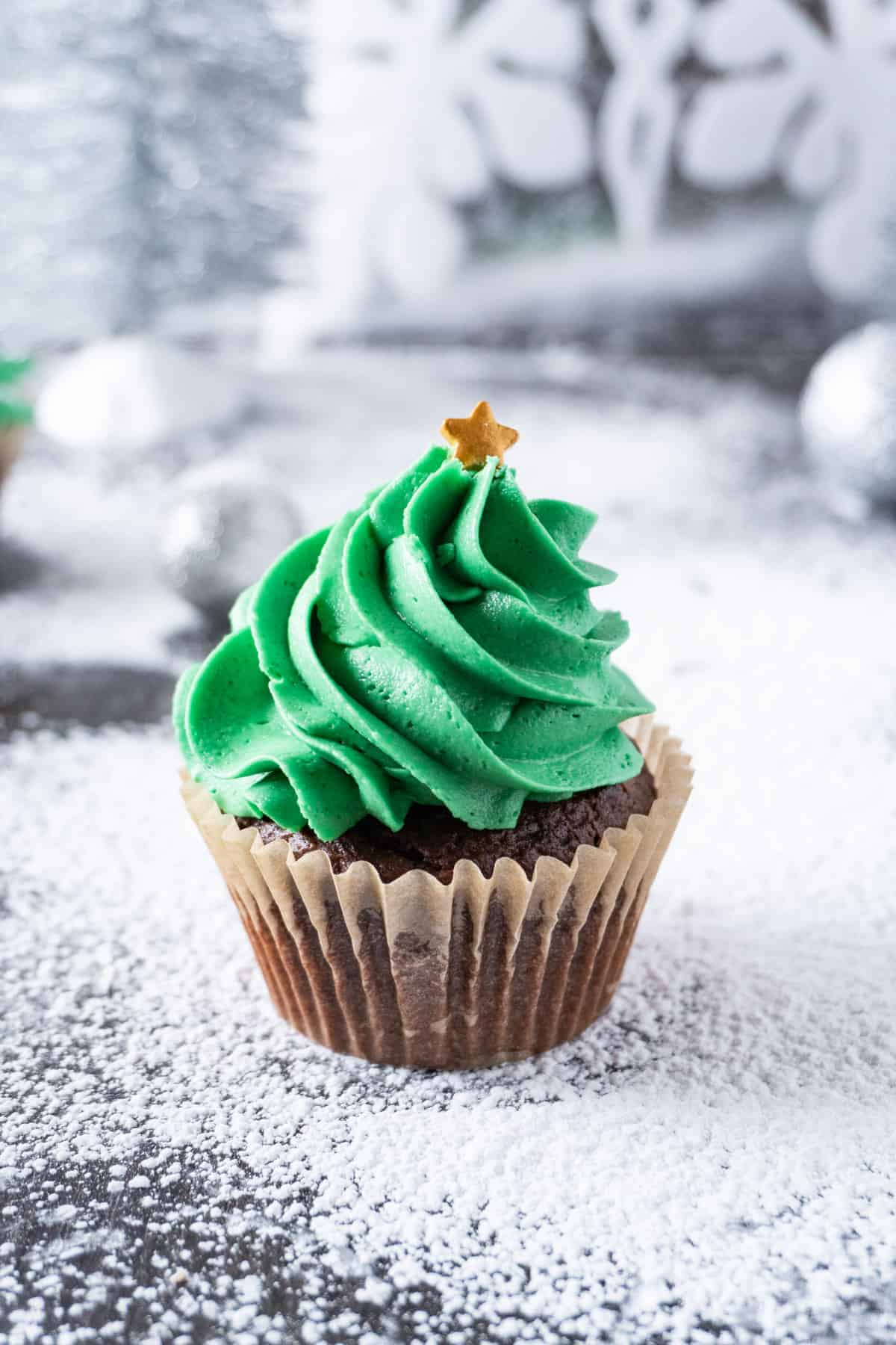 Christmas Tree Cupcake without sprinkles