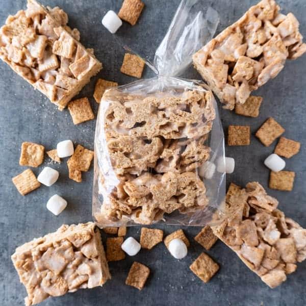 Cinnamon Toast Crunch Bars, a delicious spin on the classic rice crispy! #cinnamontoastcrunch #ricecrispytreat #cerealbar #breakfast #marshmallow #atablefullofjoy