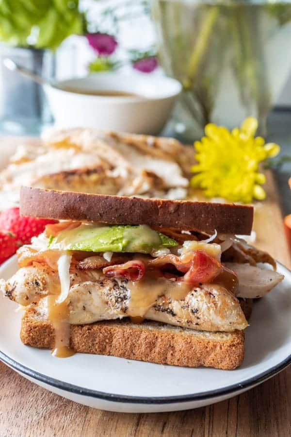 Chicken Sandwich Recipe, easy, delicious, and perfect for lunch! #healthy #chickensandwich #chikfila #kids #easy #dleicious #atalbefullofjoy #grilled #recipes #sauce