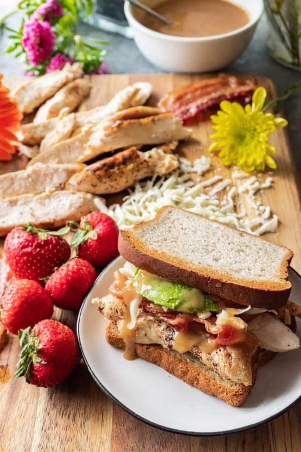 Chicken Sandwich Recipe, easy, delicious, and perfect for lunch! #healthy #chickensandwich #chickfila #kids #easy #delicious #atablefullofjoy #grilled #recipes #sauce