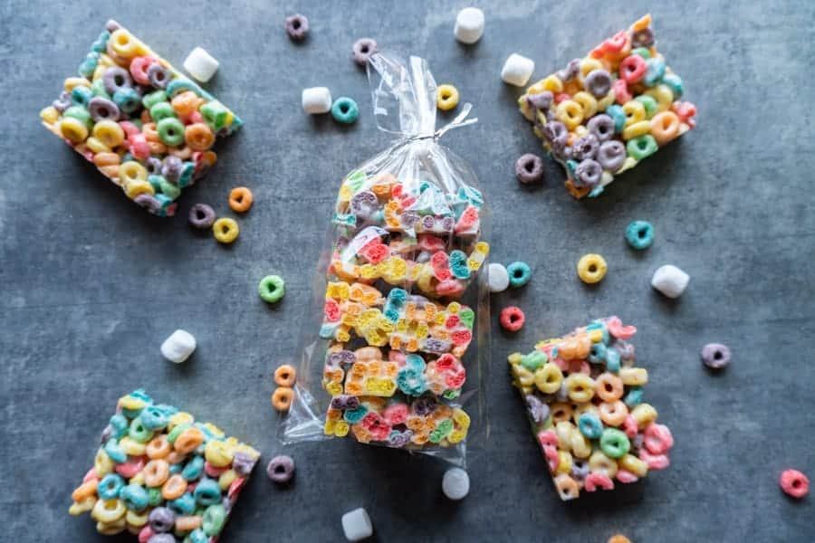 Fruit Loop Marshmallow Bar in clear baggie