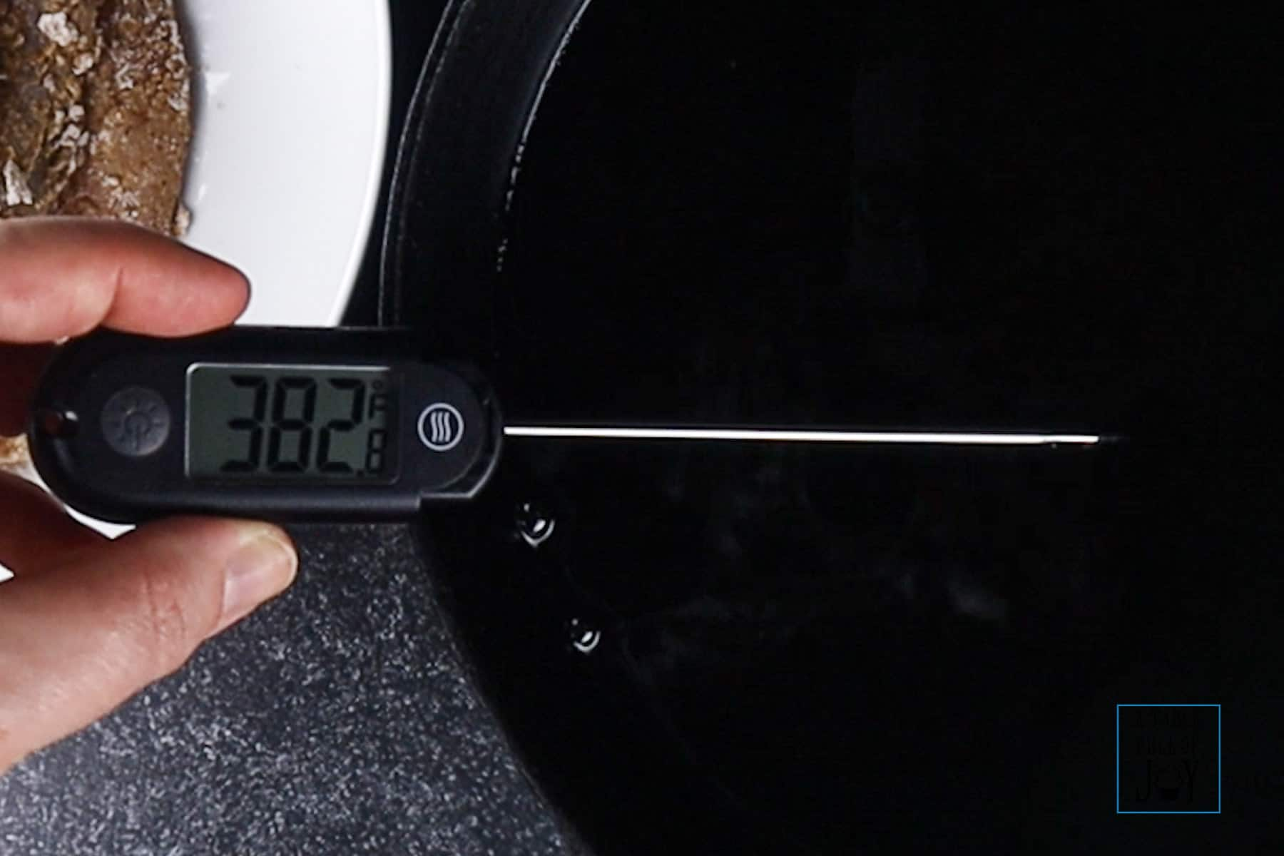 Dash Thermoworks Thermometer testing oil temp