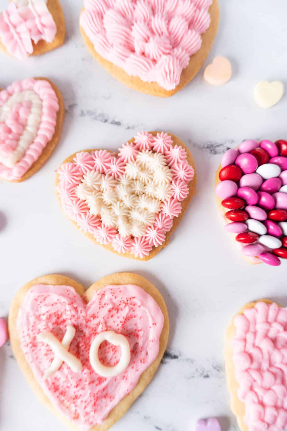 sugar cookies with different designs on them
