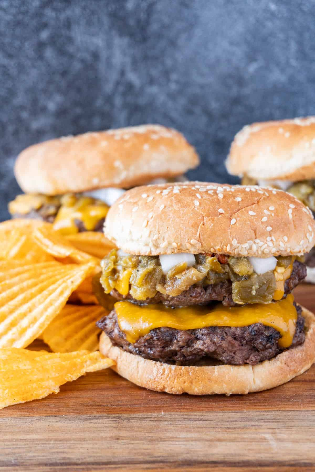 Green Chile Cheeseburger with chips