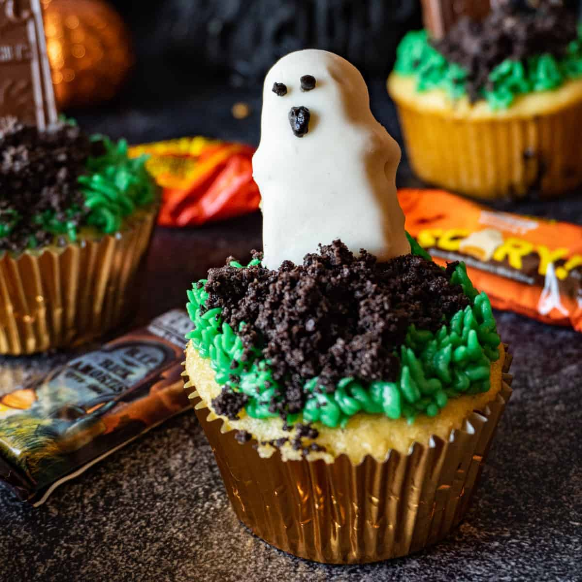 halloween cupcakes featured image