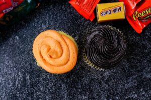 orange and black cupcake frosting